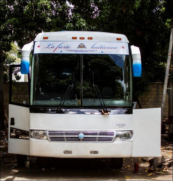 Le MCI a présenté le premier autobus fabriqué en Haïti par un Haïtien